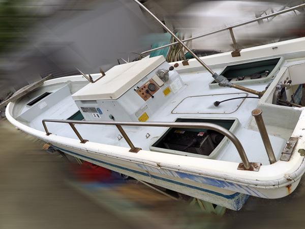 http://www.kanno-marine.com/kms/used-img/boat/ffo/d130_1.jpg