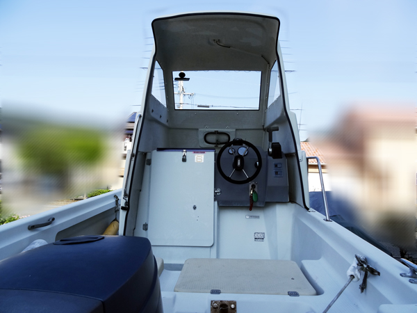 http://www.kanno-marine.com/kms/used-img/boat/uf20/uf20-2.jpg
